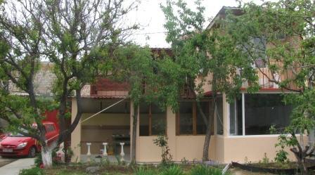 gostevoy dom fasad